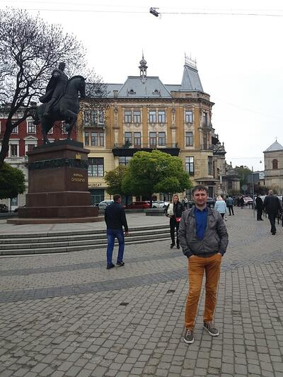 Ukranian Translator, Danylo in front of monument of King Danylo Halytsky who founded Lviv City in 1256