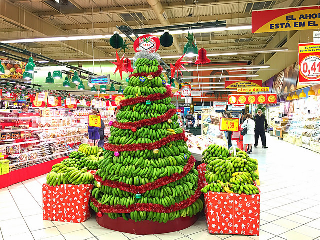 Christmas tree made out of plantains in a grocery store in India